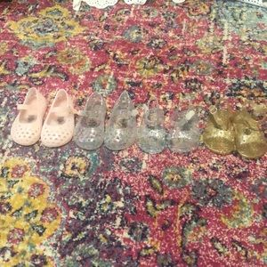 EUC Old Navy Jelly Shoes size 6-12 months